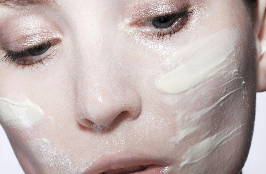 Jogurt naturalny na twarz