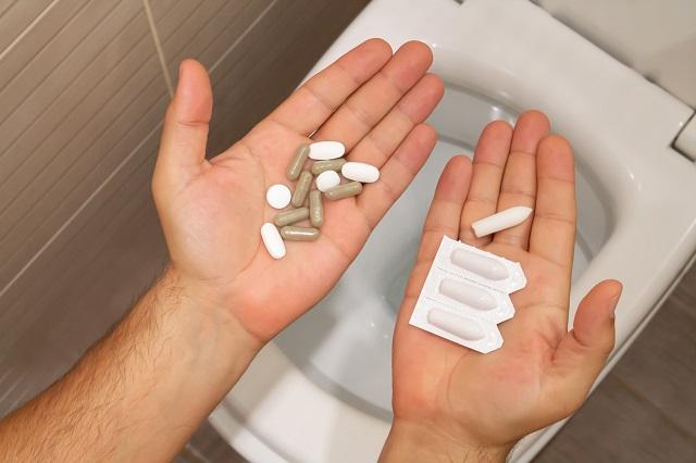 Maść, tabletki, czopki to niektóre metody walki z dolegliwościami spowodowanymi hemoroidami