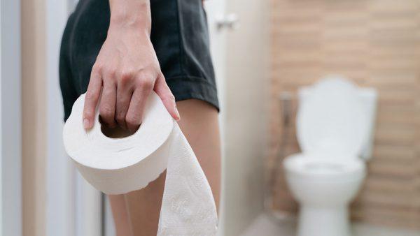Ból brzucha, wzdęcia, zaparcia towarzyszą kobiecie przy złej diecie