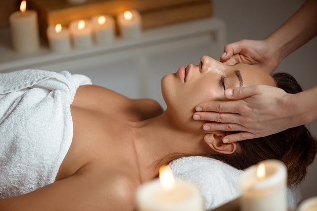 Drenaż limfatyczny polega na pozbyciu się toksyn z tkanek i mięśni twarzy