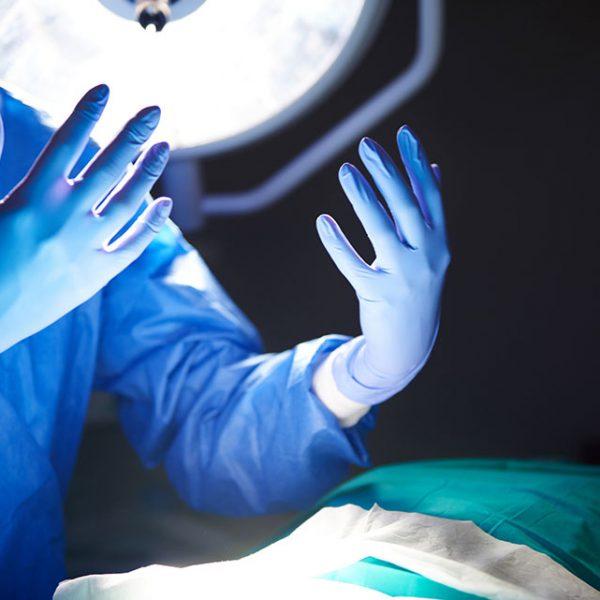 Chirurgia ręki – w czym może pomóc chirurg?