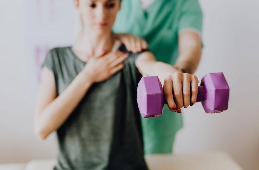 Czym jest osteopatia i co można leczyć za jej pomocą?